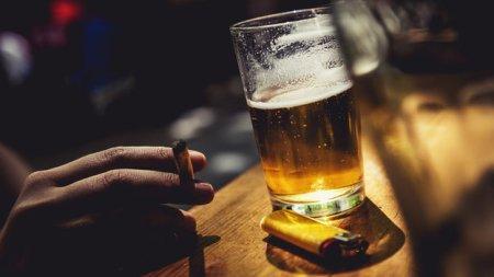 9-smoking-Franklin-Liquors