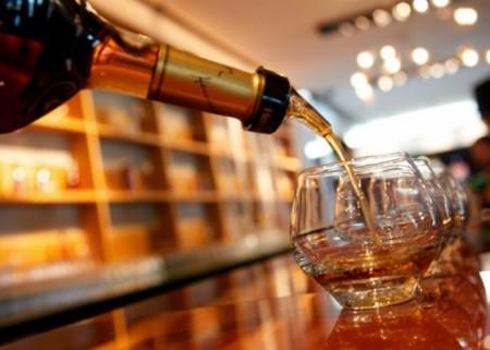 9-2634-8689-Franklin-Liquors