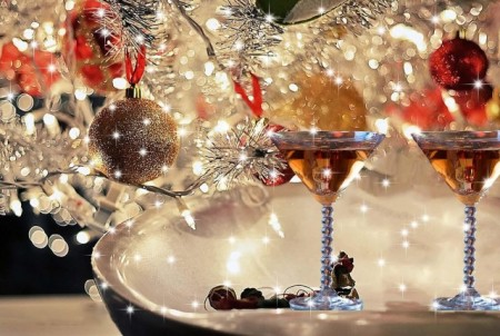 9-christmas-cocktails-Franklin-Liquors