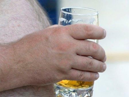 10-nude-beer-fest-istock-Franklin-Liquors