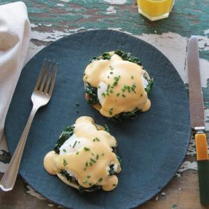 5-eggs-florentine-with-Franklin-Liquors