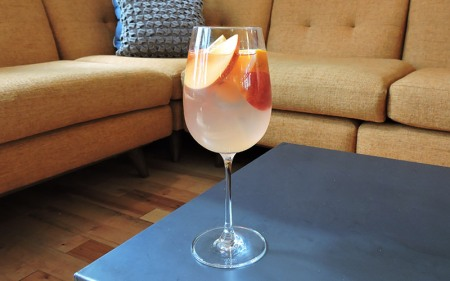 4-delightful-rose-sangria-recipe-Franklin-Liquors