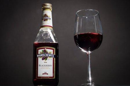 3-manischewitz-Franklin-Liquors