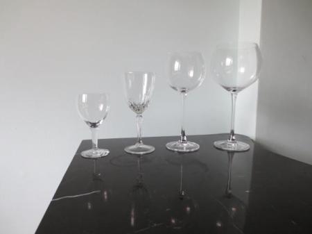 25-01-all-empty-franklin-liquors