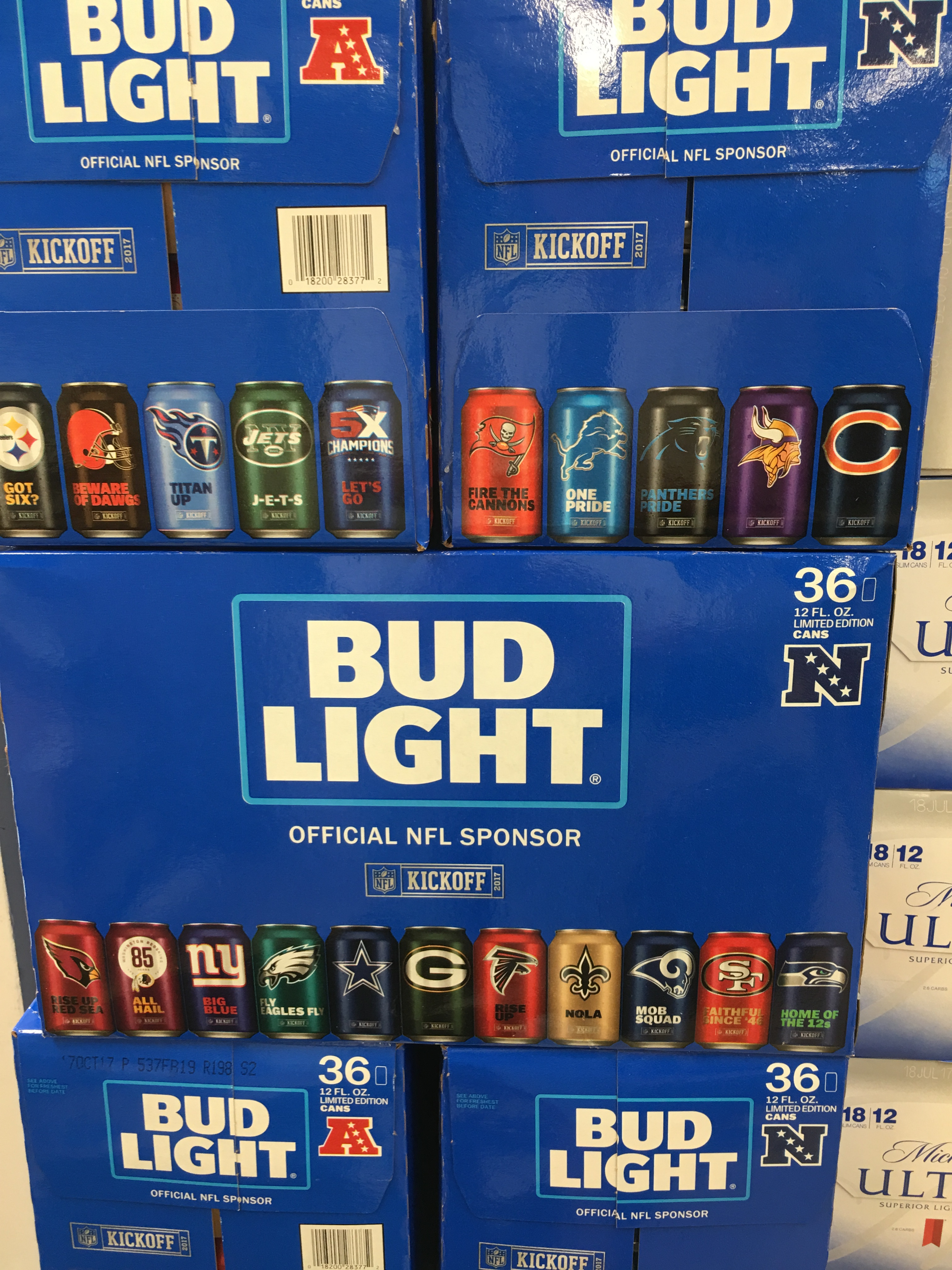 Includes 1 Logo Can Of EVERY NFL Team!!